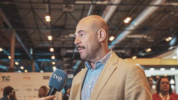 juand dominguez adglow ceo interviewed by tve